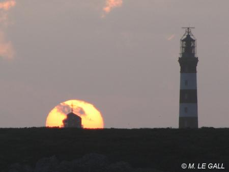 Coucher de soleil au phare du Créac'h